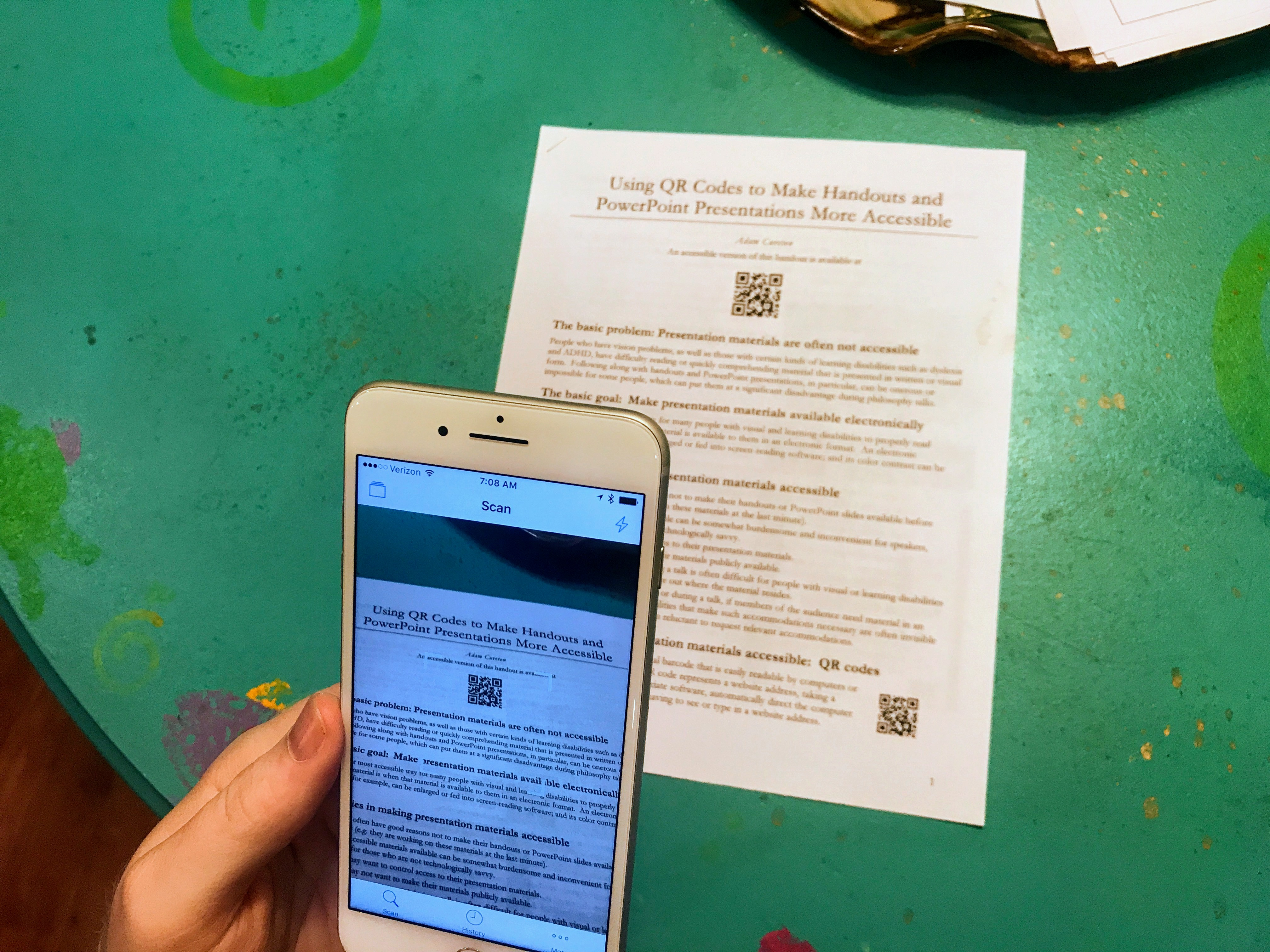 Using QR Codes to Make Presentation Materials More Accessible
